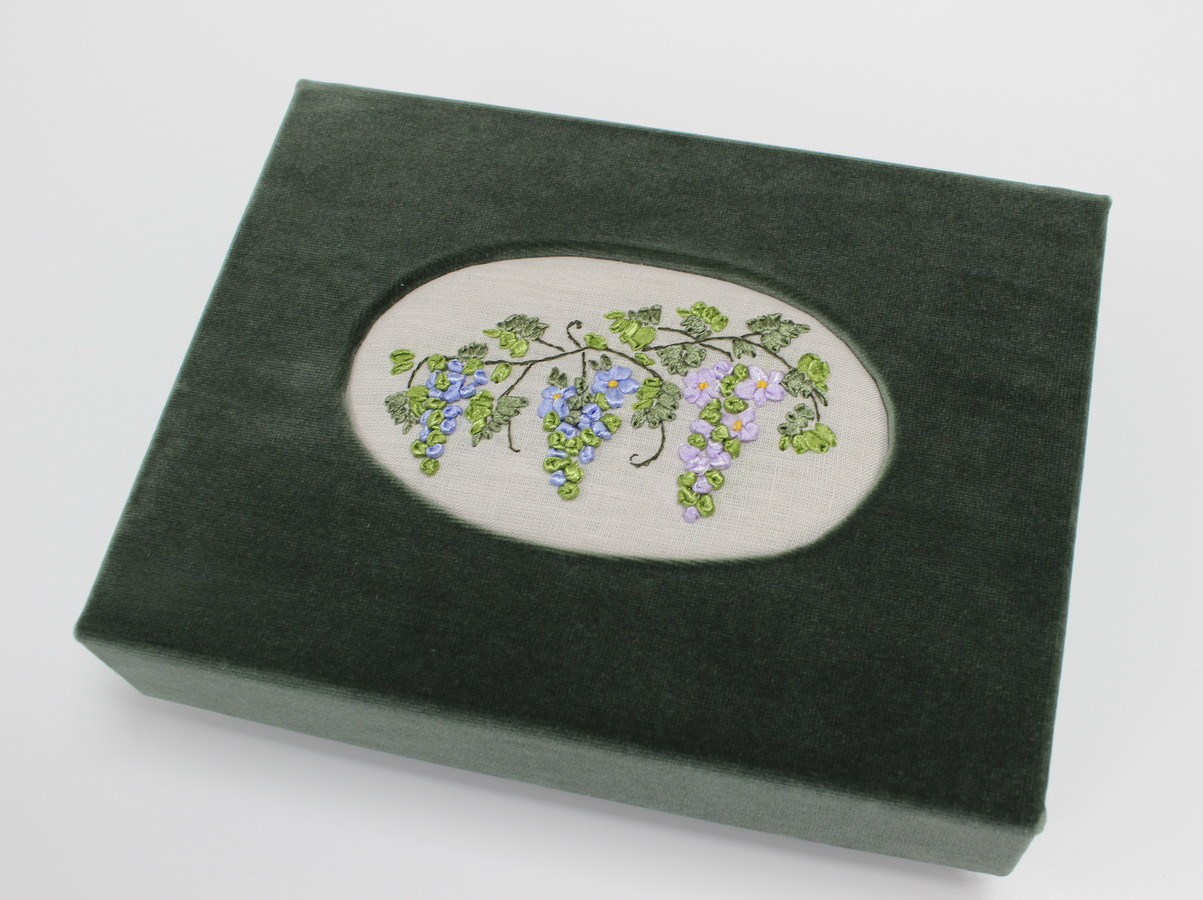 interjerinė dėžutė puiki dovana. į dėžutę galima sudėti nuotraukas, papuošalus ar ką tik sugalvojate.