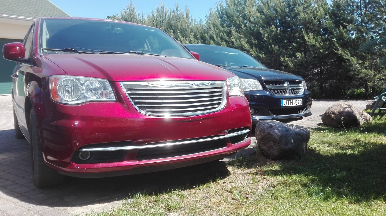 Dodge / Chrysler komfortiškų minivenų nuoma.