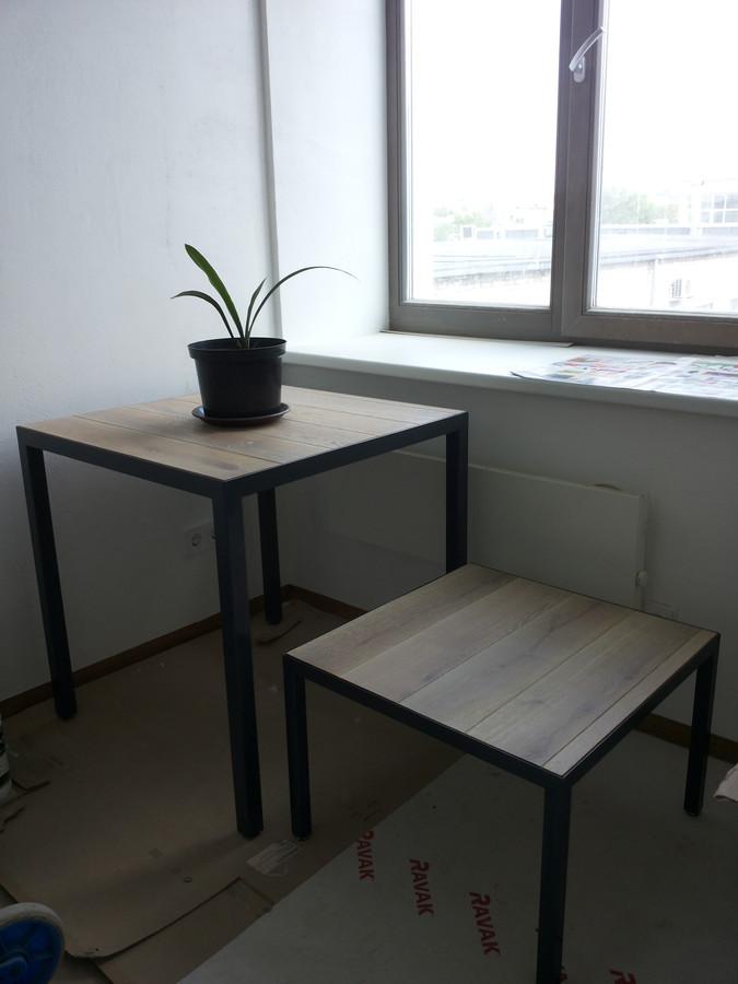 Pietų stalas ir kavos staliukas(metalas+medis). Metalas/medis.