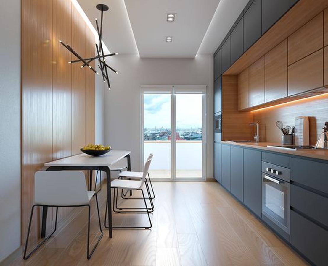 jei virtuvės patalpa siaura, ilga ir aukšta