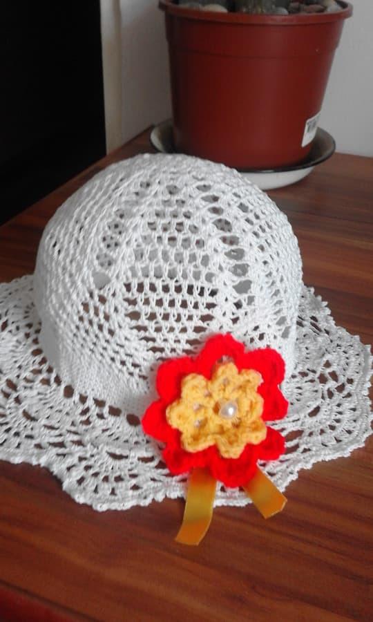 kepuraitės vasarai mergaitėms