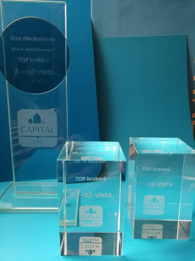 CAPITAL CITY 2016 balandžio mėnesio TOP brokerė II vieta CAPITAL BROKERS 2017 sausio mėnesio TOP brokerė III vieta CAPITAL BROKERS 2017 vasario mėnesio TOP brokerė I vieta