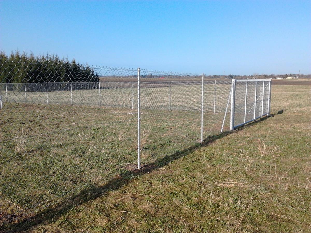 Montuojame ir parduodame tinklines tvoras. Ekonomiškiausias tvoros variantas kainos atžvilgiu. Dirbame visoje Lietuvoje.