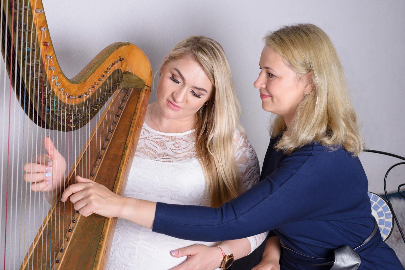 Nėščiųjų individuali terapija naudojant arfos garsus.