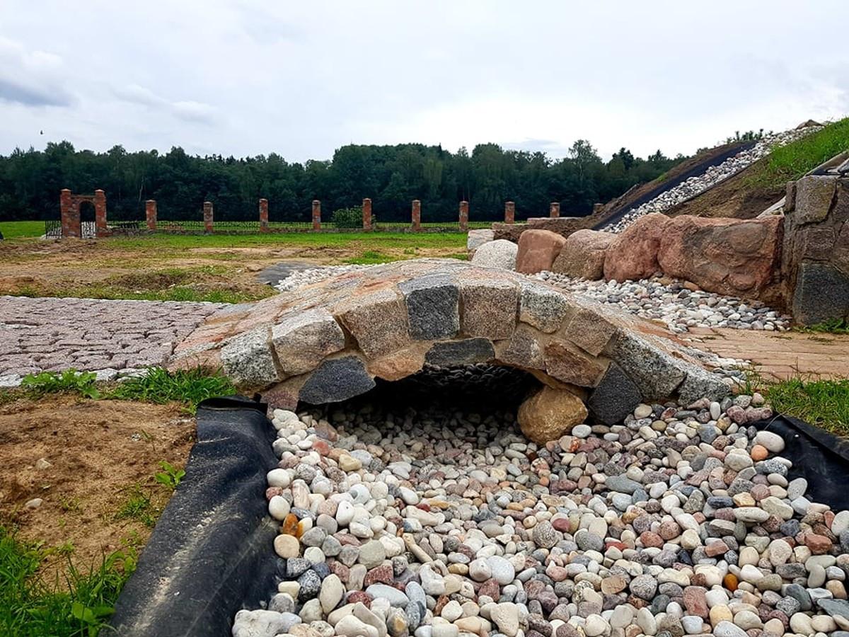 akmenu tiltelis