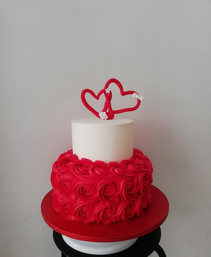 4kg vestuvinis tortas, dviejų skonių