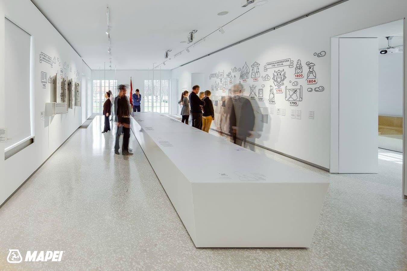 """ULTRATOP cementinė savaime išsilyginanti grindų danga. """"Terrazzo"""" efektas su marmuro užpildais, Valstybės pažinimo centras Vilniuje. http://velvemst.lt/uploads/517_ultratop_lt_160318.pdf"""