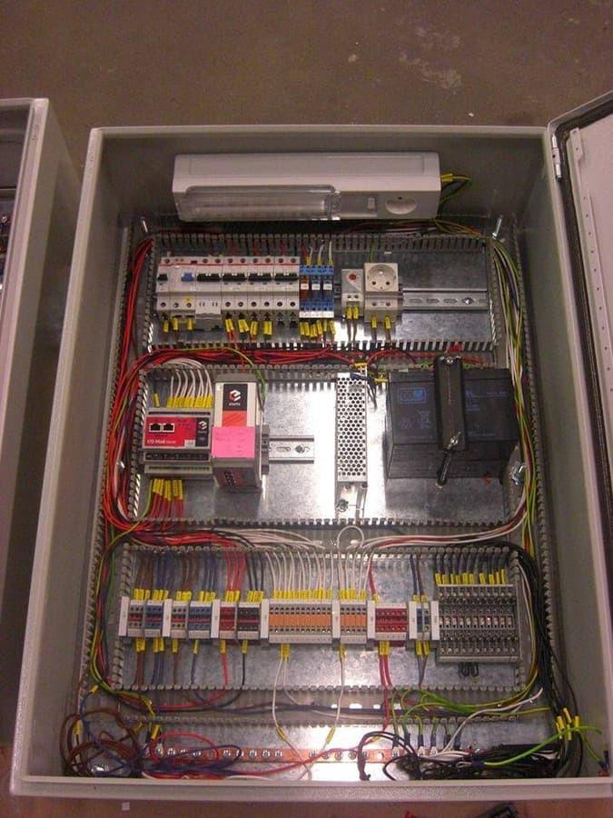 TSPI automatikos skydas. Teleinformacijos surinkimo ir perdavimo įrenginys. :)