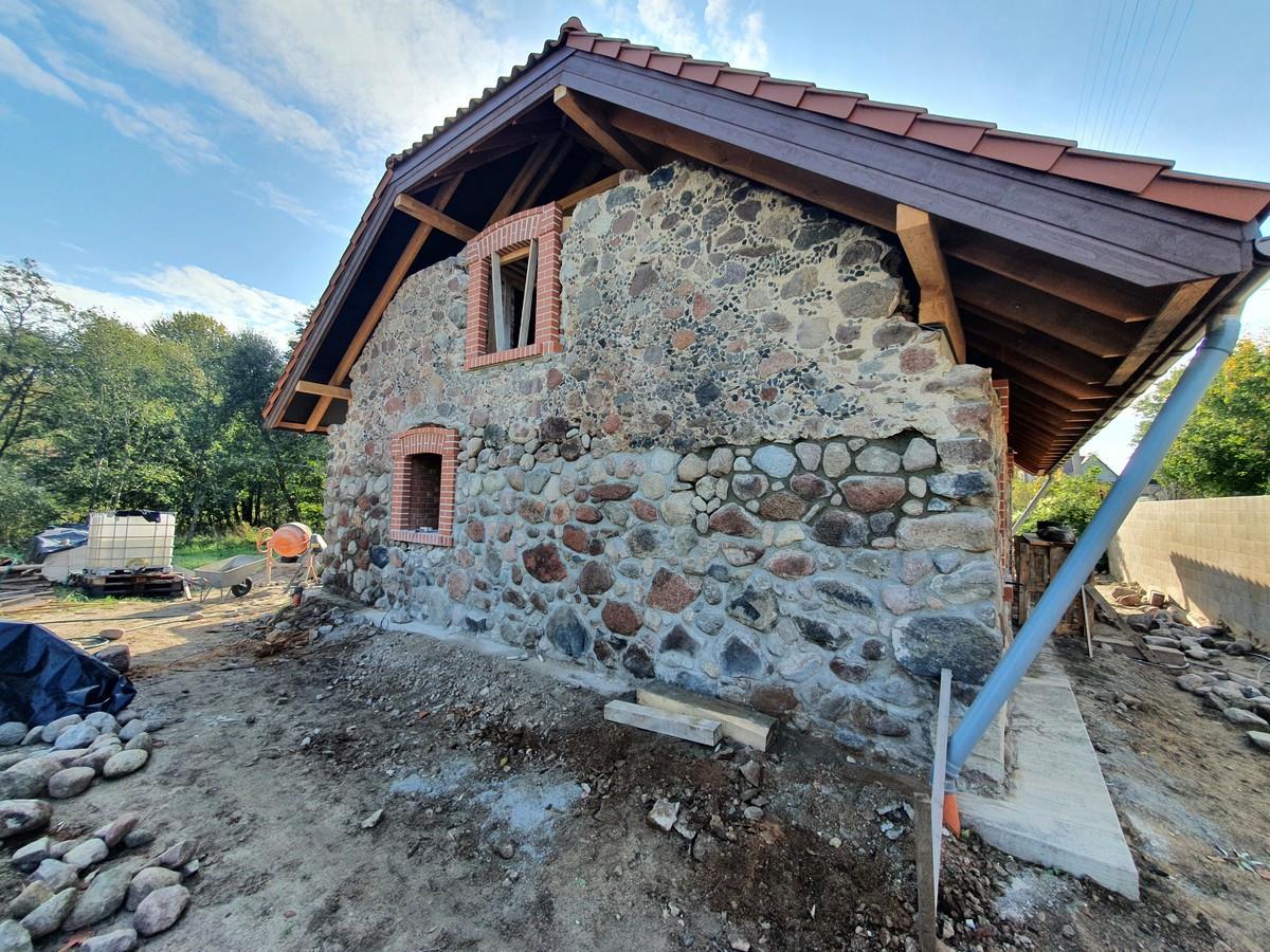 Akmens mūro restauracija.Dvarų restauracija