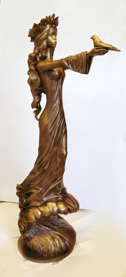 Alegorinė skulptūra, dažytas gipsas, h - 80 cm.