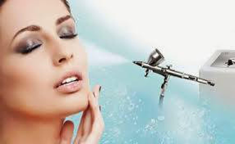 Veido odos prisodrinimas deguonimi ir drėkinimas.
