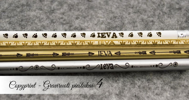 """Mediniai, auksiniai, sidarbiniai graviruoti pieštukai su simboliais ir vardais. Puiki asmeninė dovanėlė kai reikia labai mažos, bet labai individualios dovanos. Puikiai tinka kai žmogus """"viską turi""""."""