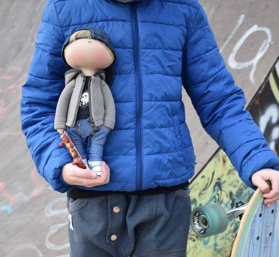 Lėlės pagal nuotrauką kaina nuo 90 €