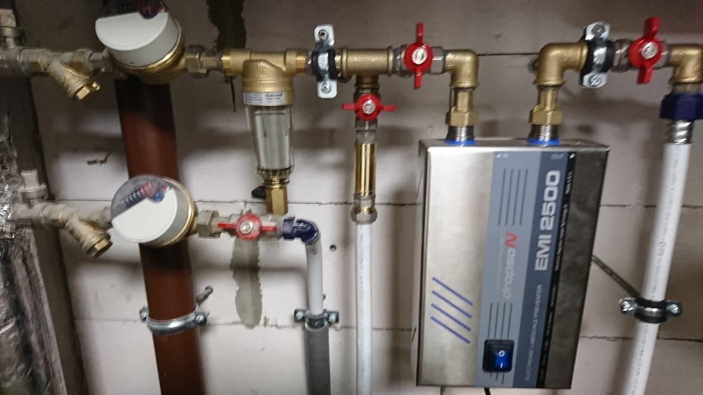 Vandens nukalkinimo įrengimų pajungimas