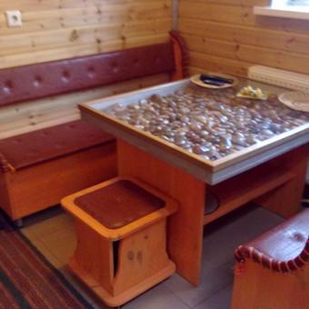 Valgomojo zonos baldai (pušies masyvo, šermukšnio spalva)