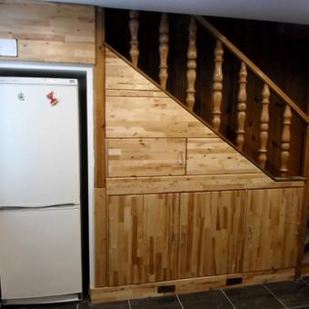Spintelės po laiptais 1