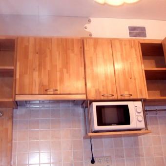Virtuvinės spintelės (beržo masyvo), apdaila iš PVC