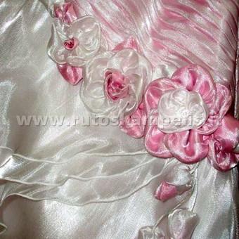 Suknelės puošimo detalė
