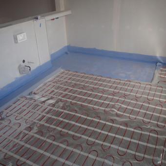 Grindų hidroizoliacija ir šildymo sistema. Visada sausa ir šilta.