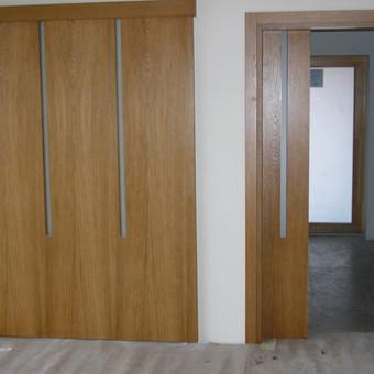 Durys visada paslaptingos,nes nežinai,kas už jų...
