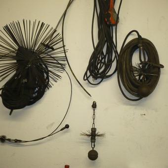 Kaminų valymo įrankiai