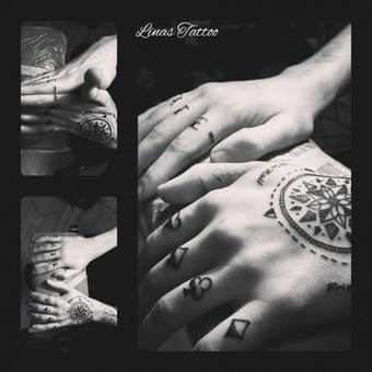 #LinasTattoo #Tattoo #Tattoos #Tattooing #Tattooist #Tatt #Tatts #Ink #Inks #Inked #Compass #LifeCompass #Rocknroll #Fate #PlayCard #DynamicInk