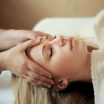 Energinis Veido lytėjimo masažas
