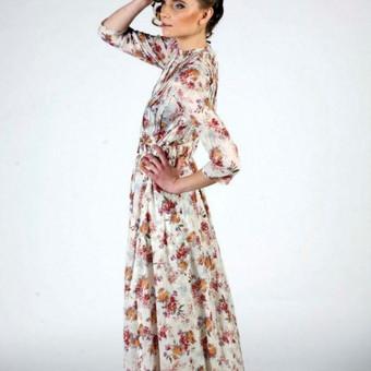 Individualiai kurta ir siūta šventinė suknelė.