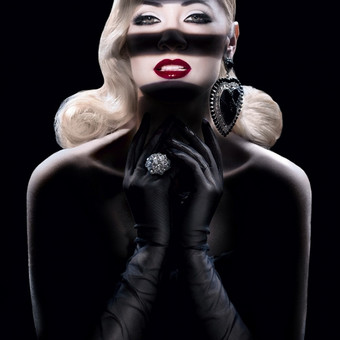 """~Beauty Of Old Hollywood~ Šukuosena/makiažas: Ernestas Švilpauskas Modelis: """"Mis Lietuva 2013"""" Rūta Elžbieta Mazurevičiūtė Nuotrauka: Rasa Kijakauskienė"""