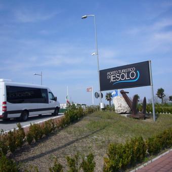Keleivių pervežimas mikroautobusais Lietuvoje ir užsienyje / Lina Česonytė / Darbų pavyzdys ID 29362