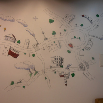 Piešta siena dažų parduotuvėje Imparat.  Norfos bazė Vilniuje, Savanorių 176. Piešinys atliktas juodais markeriais, spalvotos detalės akriliniais dažais.