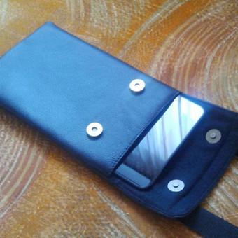 Nestandartinis sprendimas plančetiniam kompiuteriui, kad būtų galima pasikabint ant kaklo