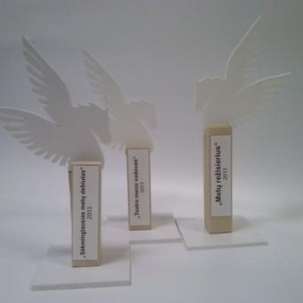 Prizas. Statulėlės pagrindas medis, pegasas (PVC plastikas)