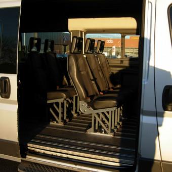 Keleiviu kroviniu pervezimas / Rimas / Darbų pavyzdys ID 36697