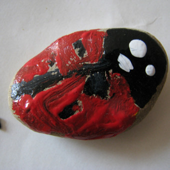 Tapyba ant akmenų