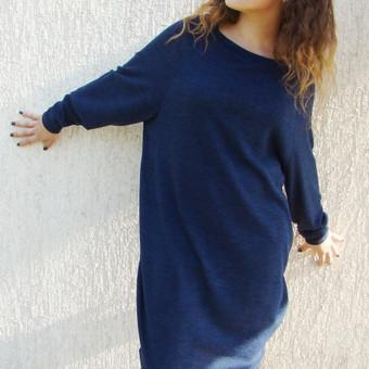 Suknelė (tunika) Sudėtis: 70% medvilnė, 15% elastanas, 15% poliesteris. Spalvos: bordo, smėlio, mėlyna, juoda.