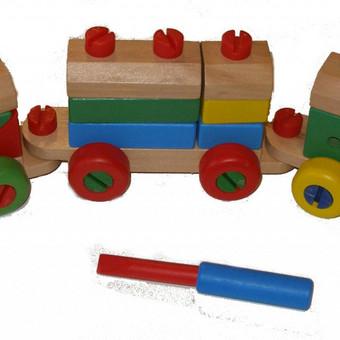 Medinis traukinukas konstruktorius. http://www.noriuzaisliuko.lt/mediniai-zaislai-vaikams?product_id=173