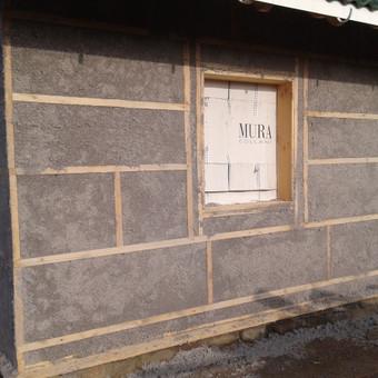 Šiltiname namus ekovata šlapiu būdu - tiek fasadus, tiek vidaus sienas.