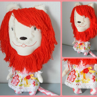 Liūtė, dydis 40 cm. Medvilnė, karčiai medvilniniai, kamšalas - sitneponas.