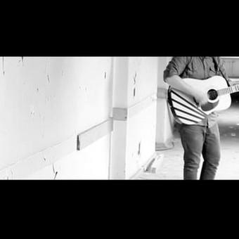 Užsakovas - The Dominoes