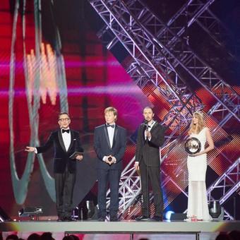 """M.A.M.A. 2015 scenoje paskelbėme, kad geriausia grupe tapo """"SEL""""."""