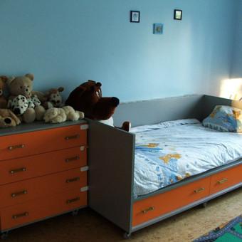 Vaikų kambario baldai.