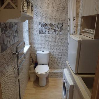 Buto - studijos funkcinė vonia - pusiau virtuvė (3,5 kv.m).