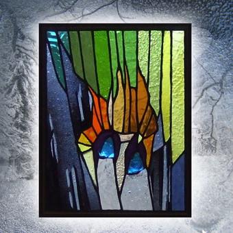 Vitražo miniatiūra. Kabinama ant lango Akys I