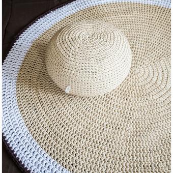 Rankų darbo komplektas: pufas ir kilimas, nerti iš trikotažinių siūlų. Dydžių ir spalvų pasirinkimas.