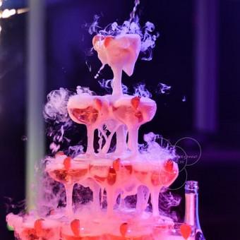 Šampano taurių piramidė by Bubble Tower / Marius Dolbadzė / Darbų pavyzdys ID 394115