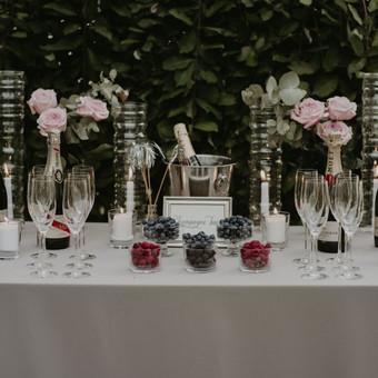 Nuotr. Lina Aidukė Šampano baras svečiams Daugiau: https://www.facebook.com/pinjata.renginiai/