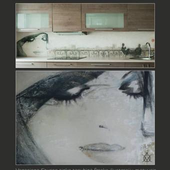 Veniciano tinko dekoratyvi sienelė virtuvėje.  Sienos dekoravimas ir pritaikymas interjere. Veneciano tinkas - mix media , atsparus vandeniui, taršai, tinka įvairiose patalpose.