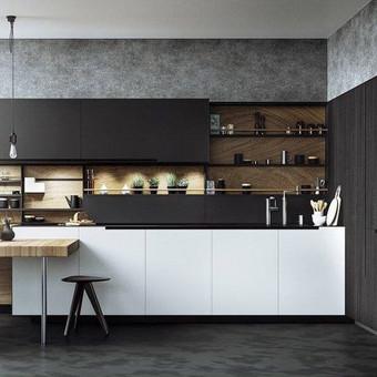 dažytas MDF + natūrali faneruotė, prie virtuvės prijungtas stalas iš uosio masyvo.