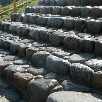 Riedulio laiptai Tauragė.kloja akmens grindinį.